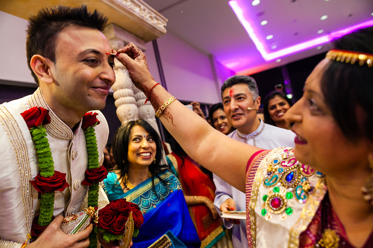 004 asian wedding photography hilton wembley