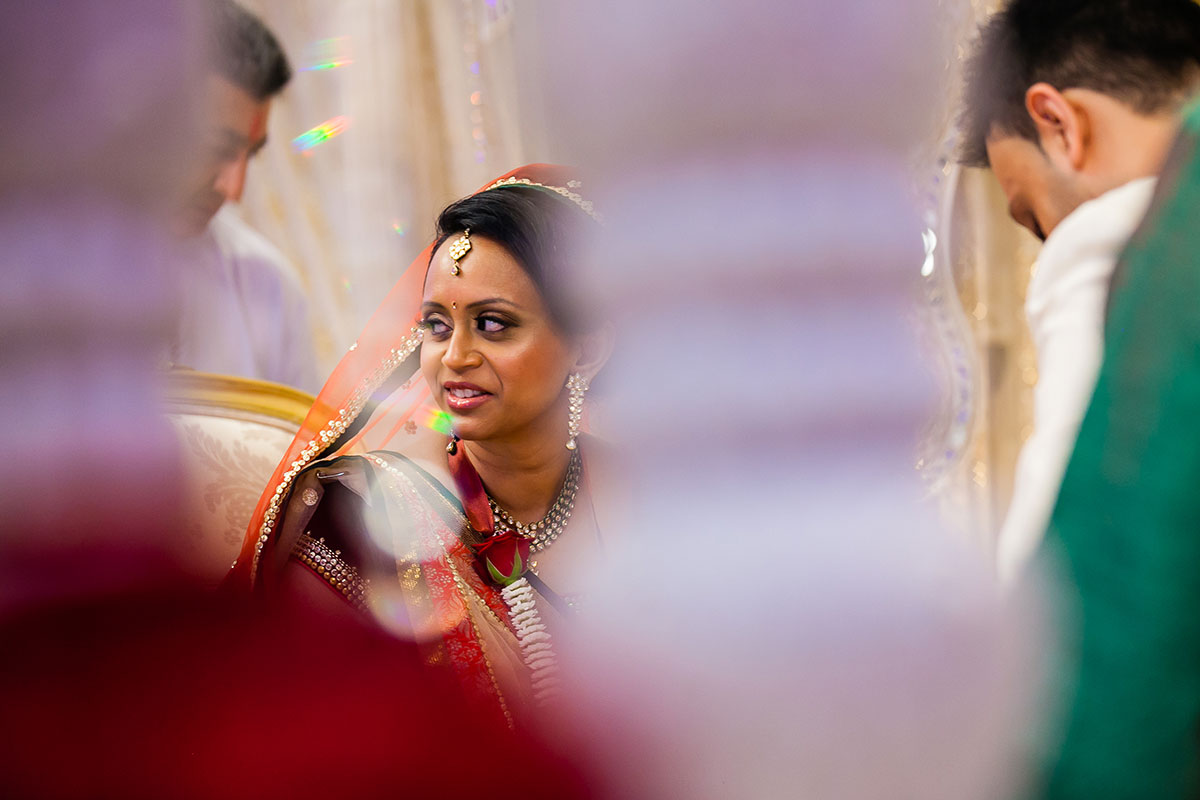028 gujurati wedding photography hilton wembley