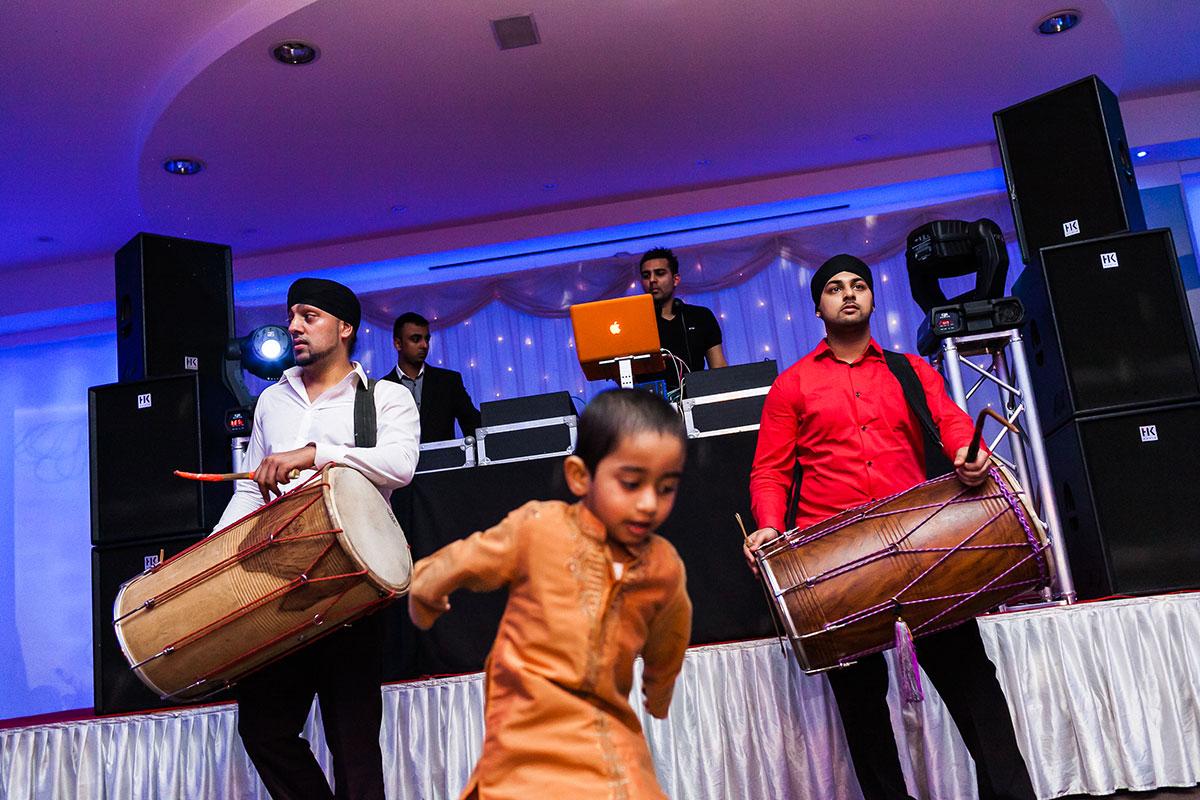 041 hindu wedding reception photography london