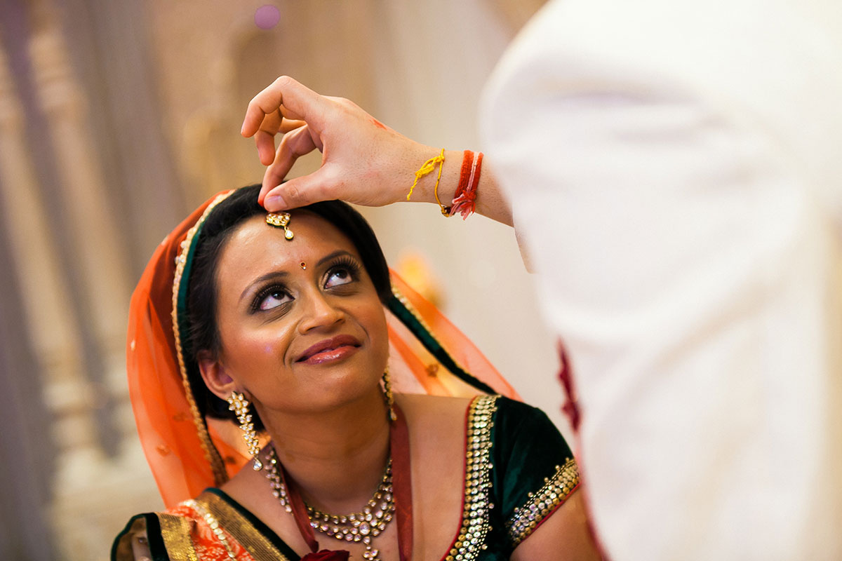 041 indian wedding photographer hilton wembley london