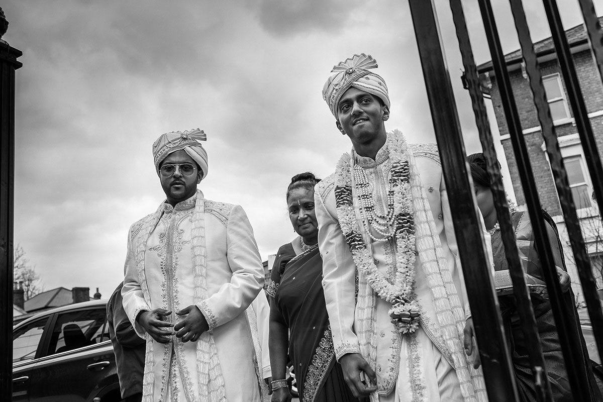 056 hindu wedding photographer uk